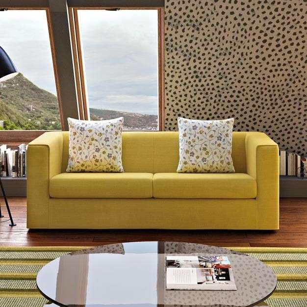 Il divano Tule di Poltronesofà: esseziale e giovane