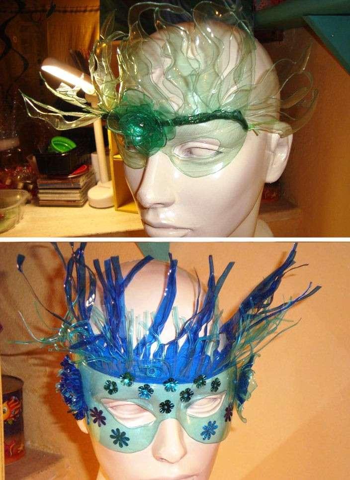 Maschere di plastica
