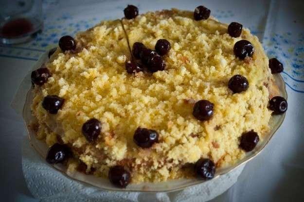 Torta mimosa alle amarene