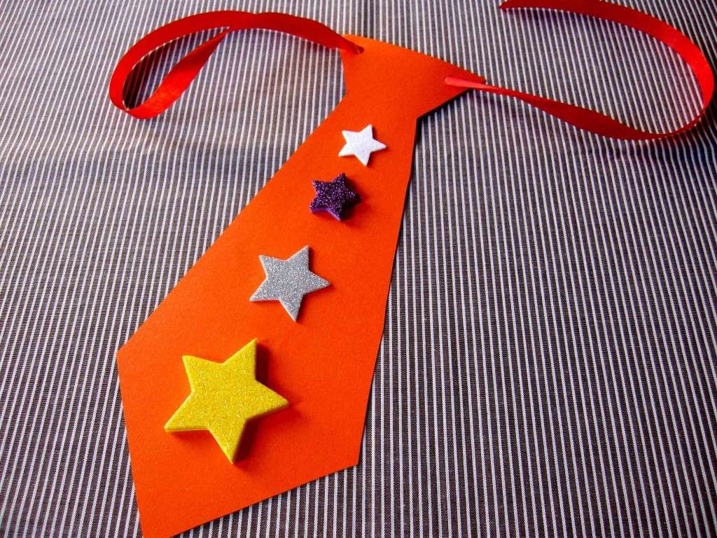 Cravatta con stelle