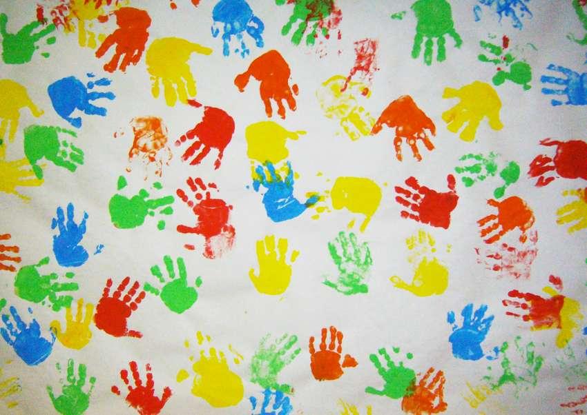 Dipingere con le mani
