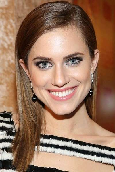Hairstyle di Allison Williams Golden Globes Awards 2014