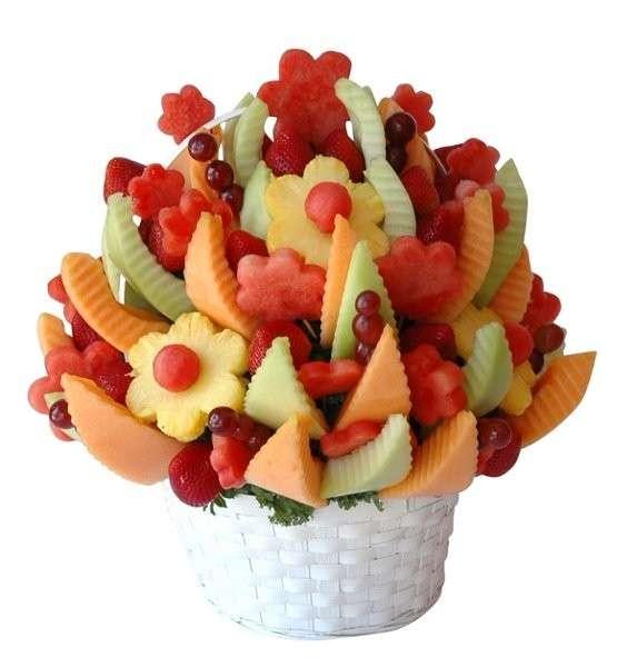 Bouquet di frutta con melone, anguria e ribes