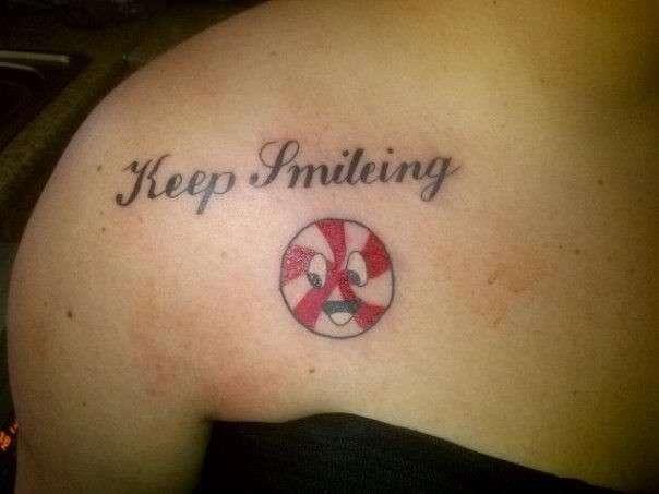 Brutto tatuaggio sul petto