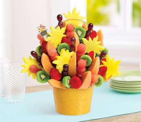 Colorato bouquet di frutta