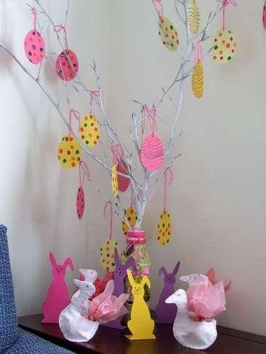 Decorazioni di cartone colorate per l'albero