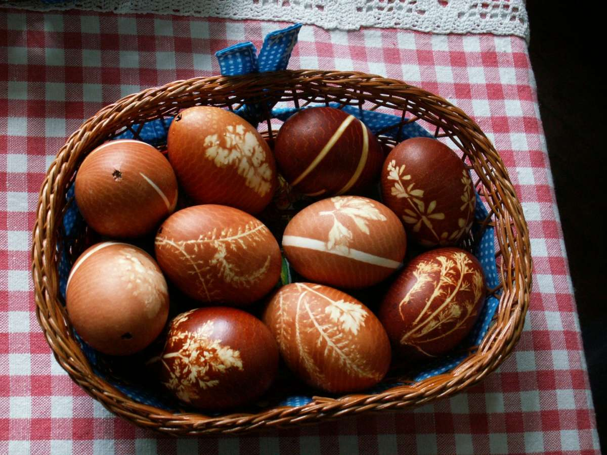 Disegni sulle uova di Pasqua
