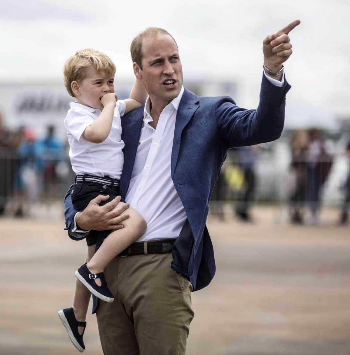 Il principe George Alexander Louis con il papà William