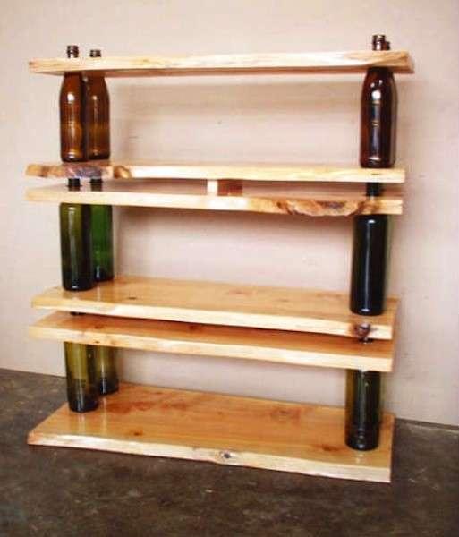 Libreria con le bottiglie