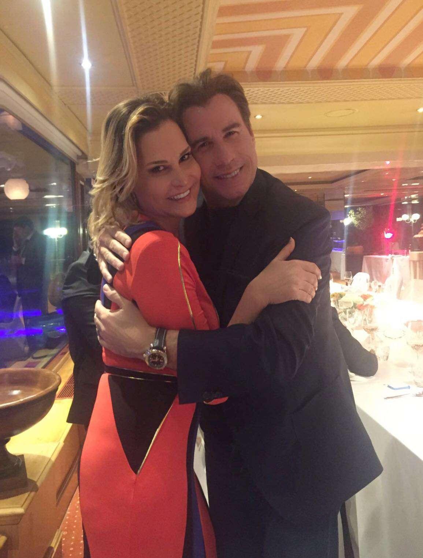 Simona Ventura incontra il suo idolo, John Travolta