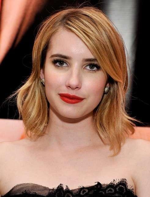 Tagli capelli corti in crescita: Emma Roberts