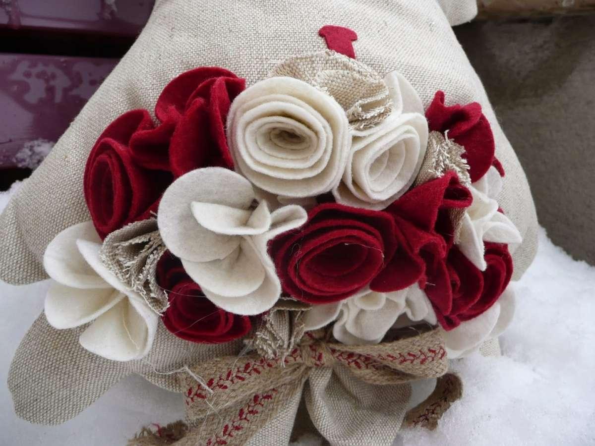 Bouquet di fiori in feltro