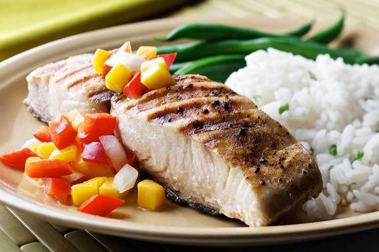 Pesce grigliato con riso