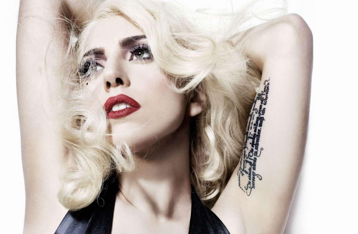 Tattoo sul braccio Di Lady Gaga