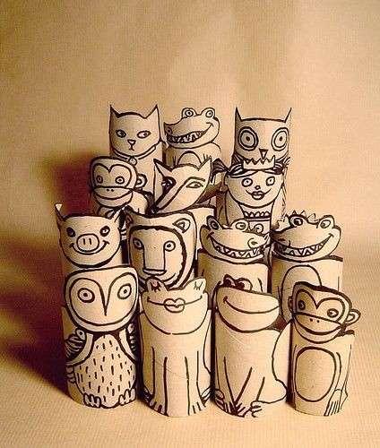 Animaletti con i rotoli di carta igienica