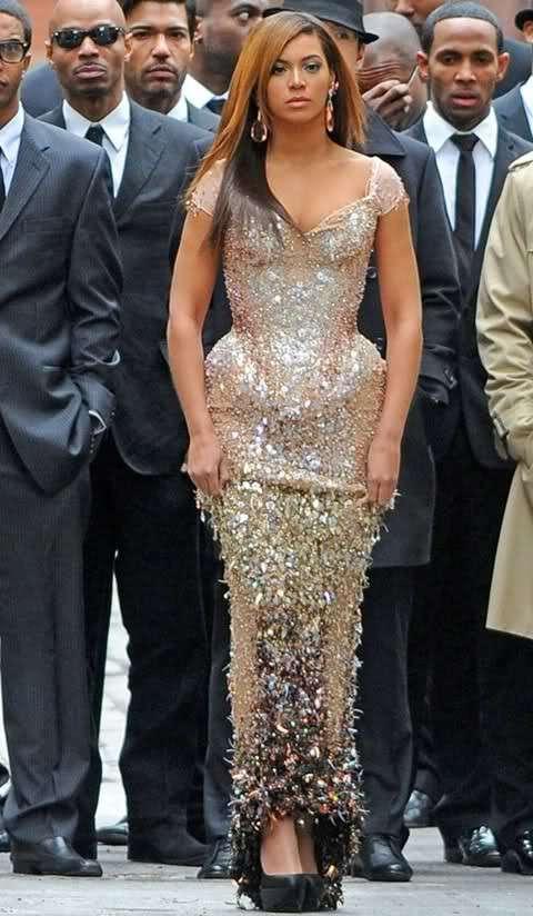 Beyonce con fisico formoso