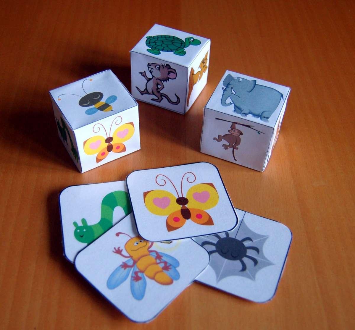 Dadi di carta con animali