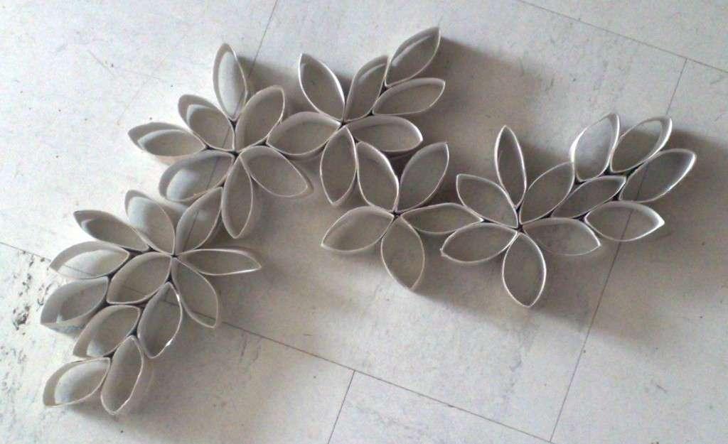 Decorazioni con i rotoli di carta igienica