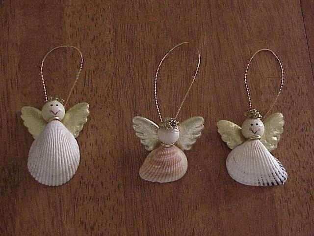 Angeli con le conchiglie per l'albero di Natale