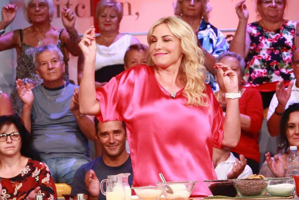 La conduttrice balla in tv