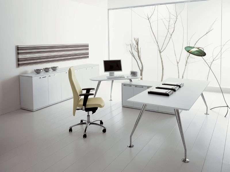 Linee di mobili per ufficio