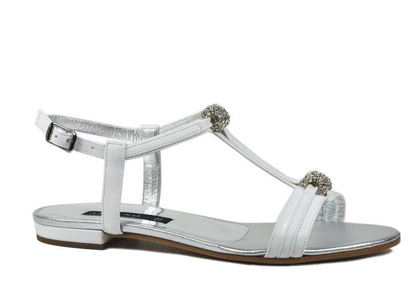 Sandali bassi con t-bar