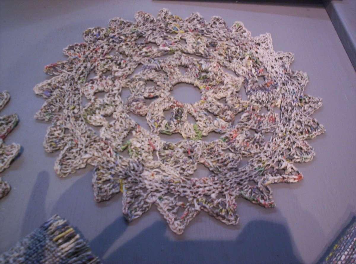 una tovaglietta design, di carta riciclata
