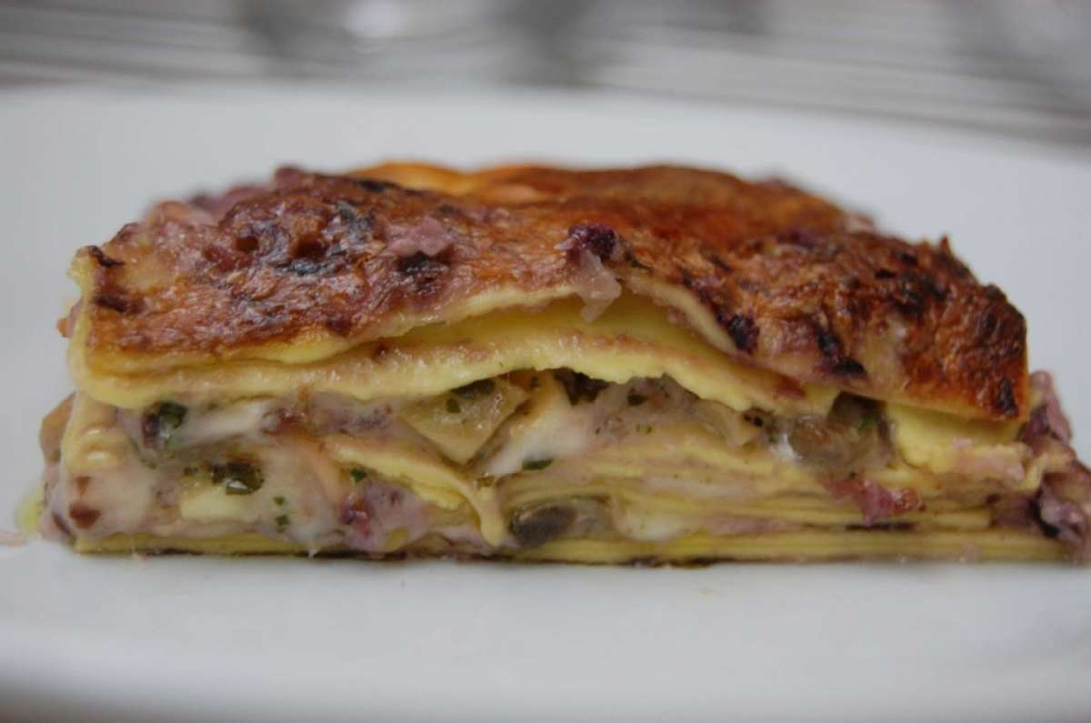 Lasagne radicchio, formaggi e champignon