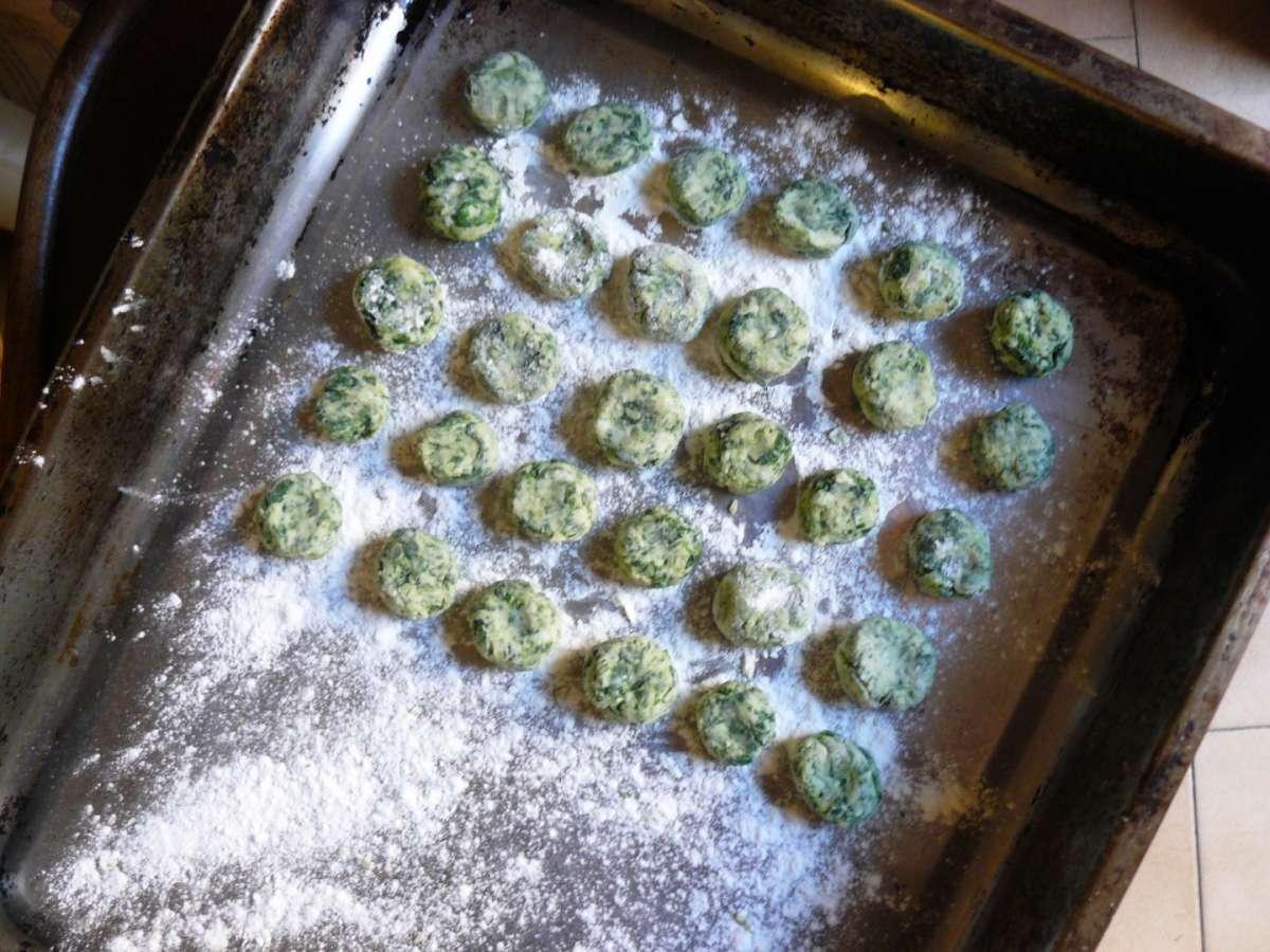 Teglia di gnocchi di spinaci