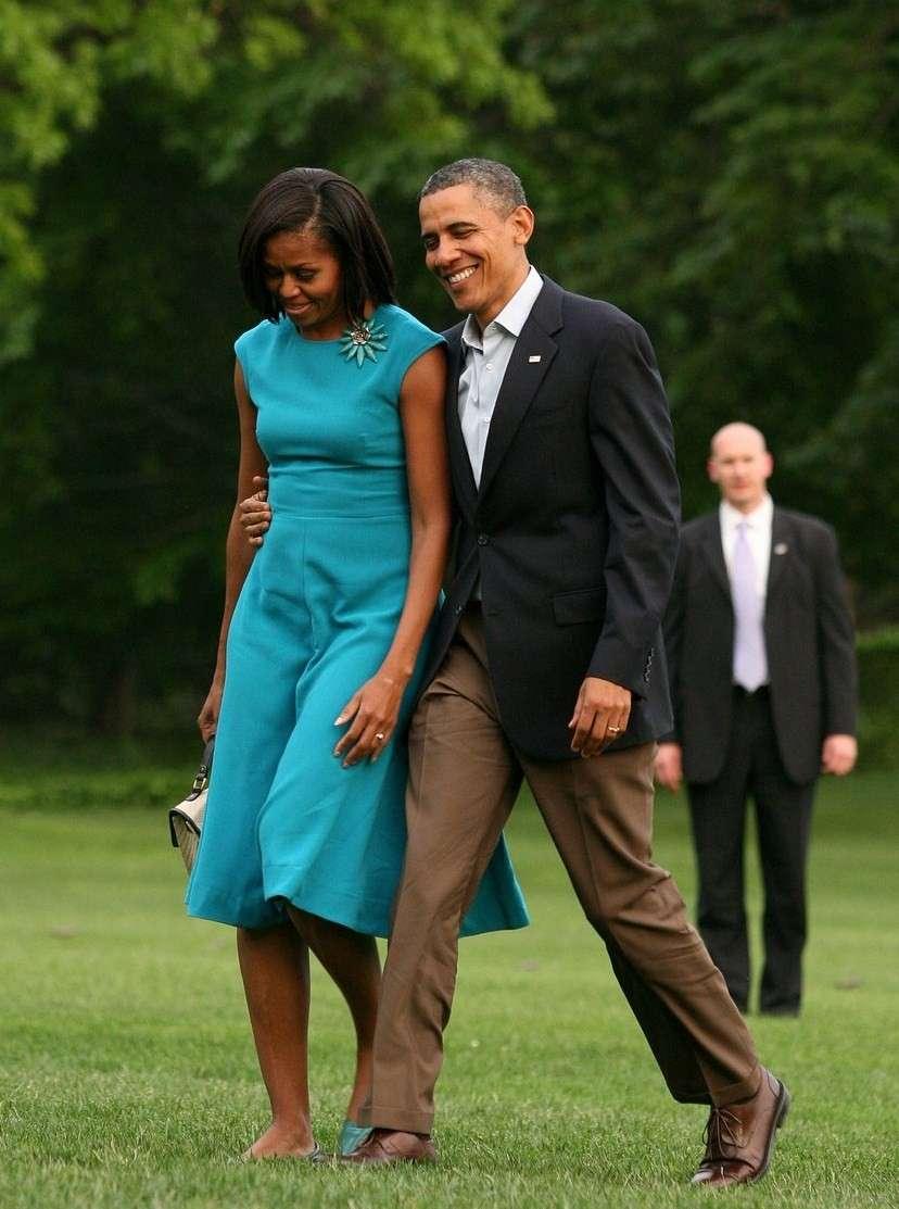 Abito azzurro per la first lady