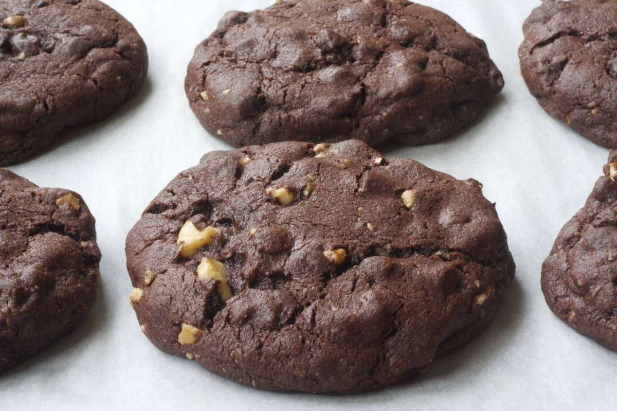 Biscotti al doppio cioccolato e nocciole