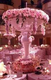 Centrotavola con scultura a fiori