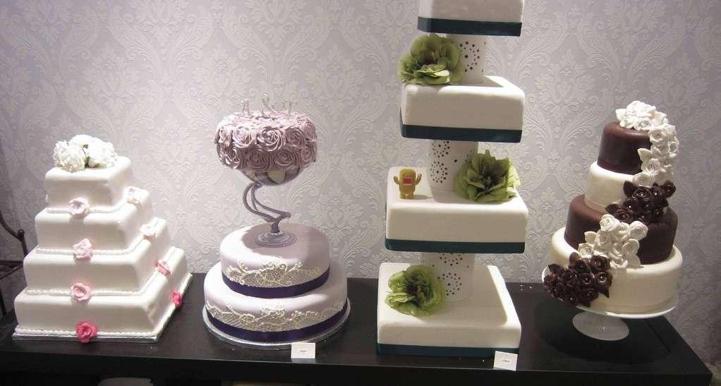 Finte torte nuziali in diverse forme