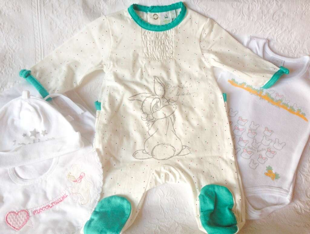 Vestiti per i neonato