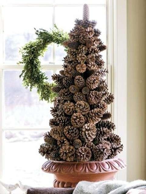 Albero di Natale con le pigne