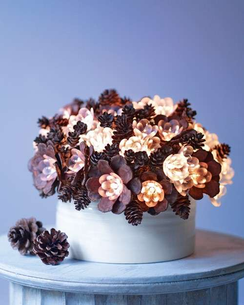 Bouquet con le pigne per Natale