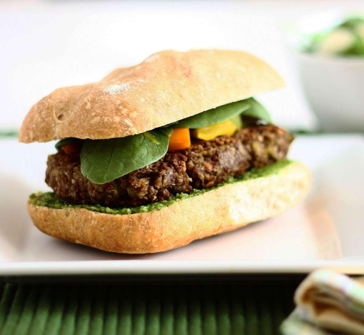 Burger con lenticchie e quinoa