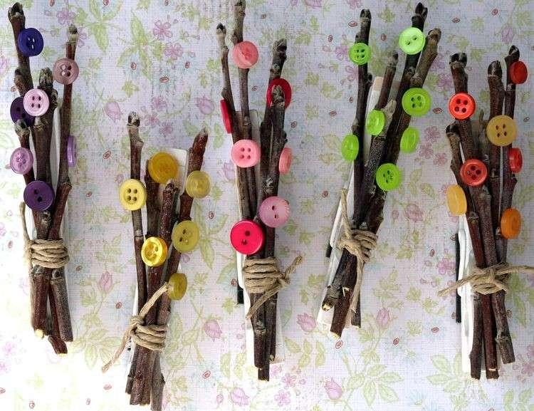 Mazzetti di rami e bottoni
