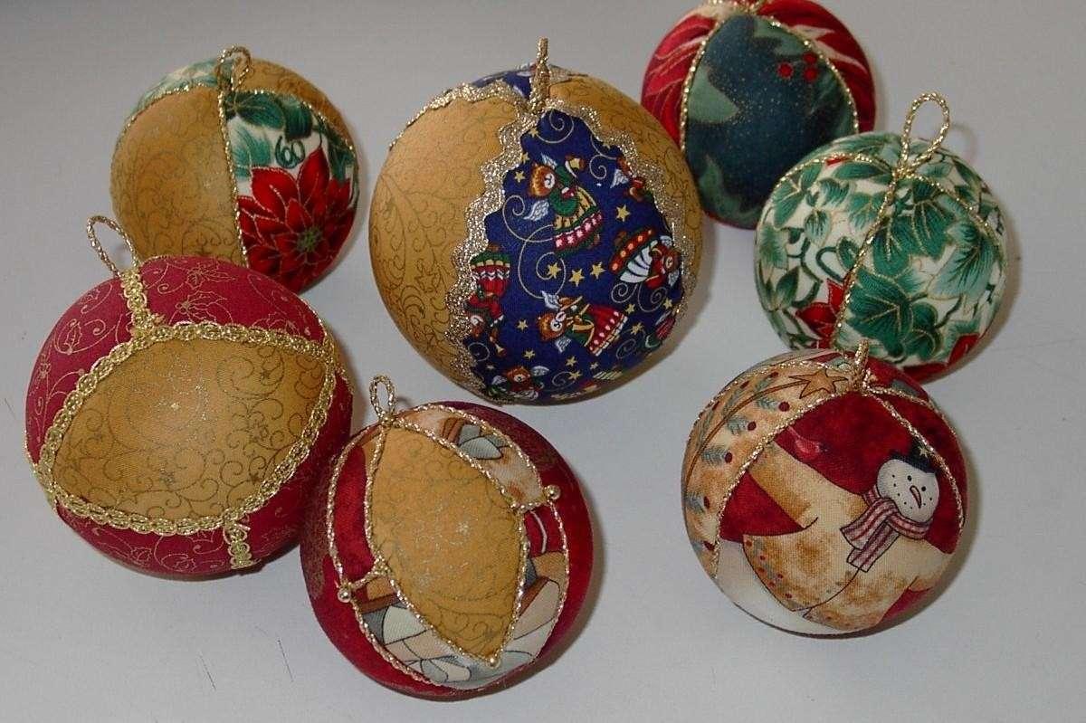 Palle di Natale in stoffa