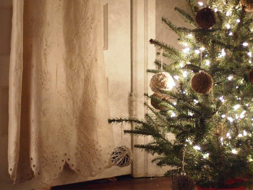 Palline di Natale fai da te con lo spago