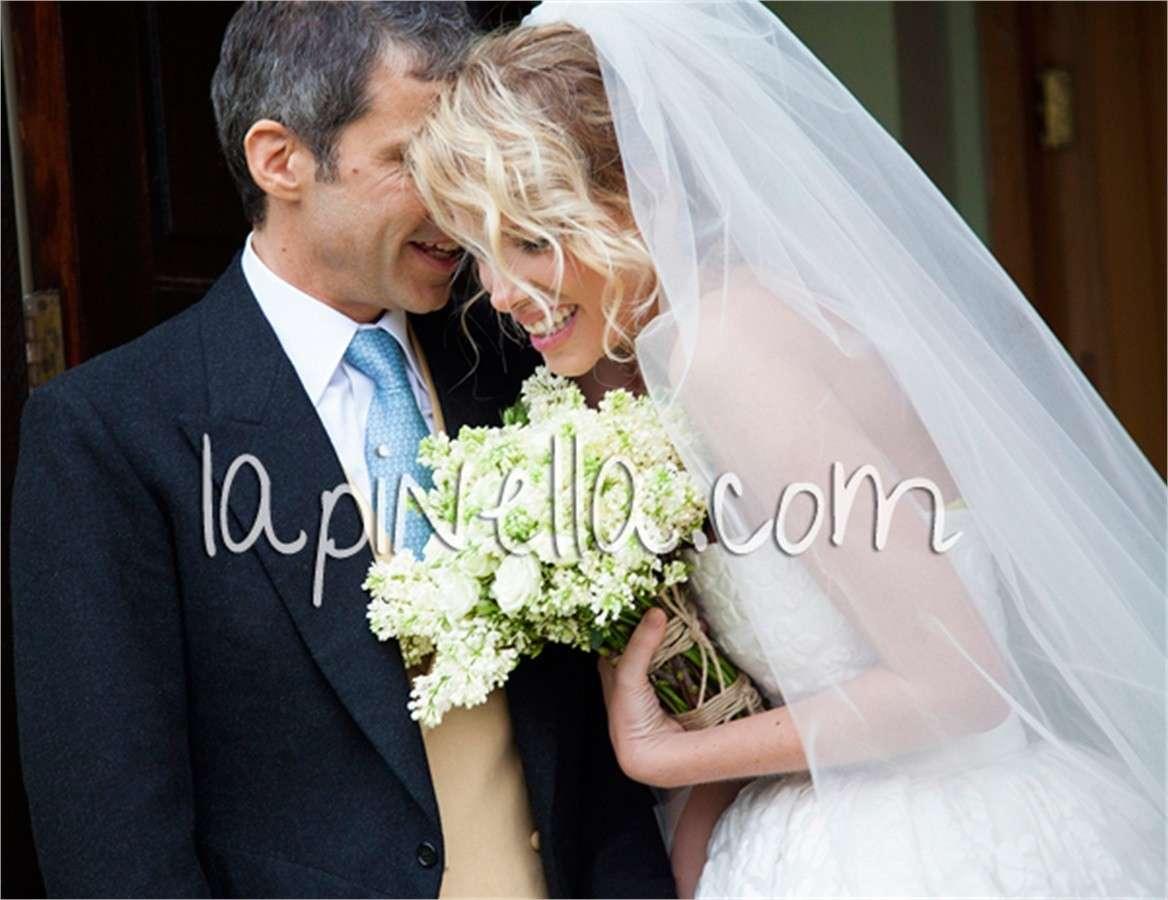Alessia Marcuzzi felice e raggiante insieme con il marito