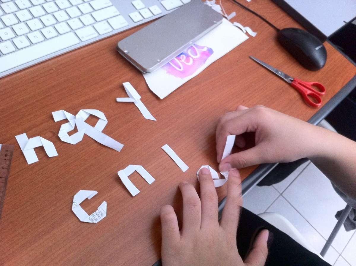 Scritta di carta