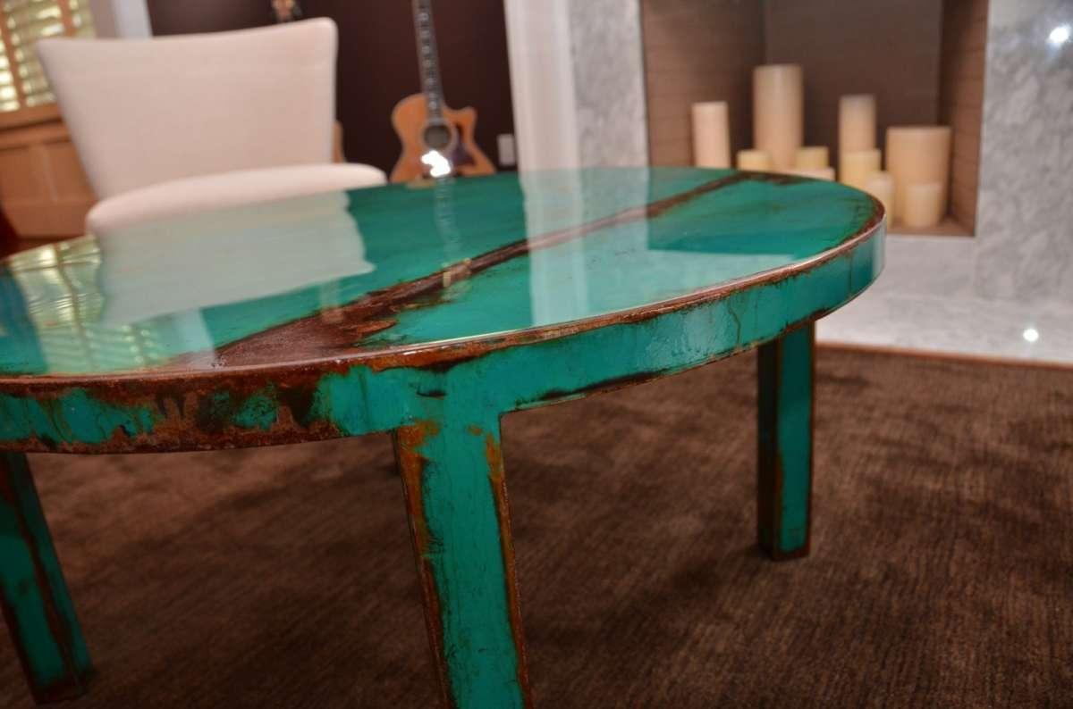 Tavolo di metallo verde