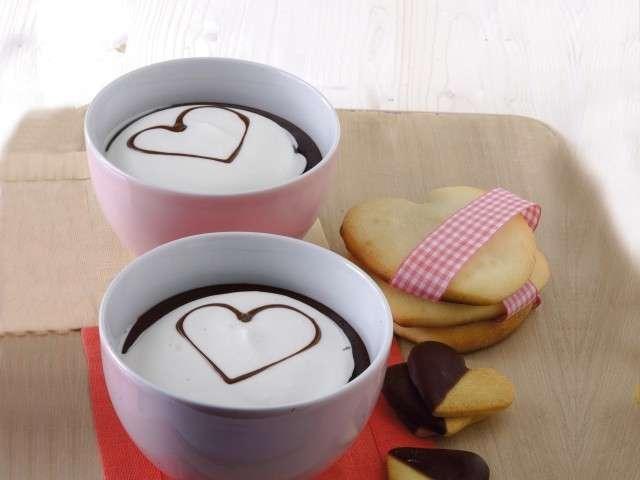 Cioccolata calda con cuori