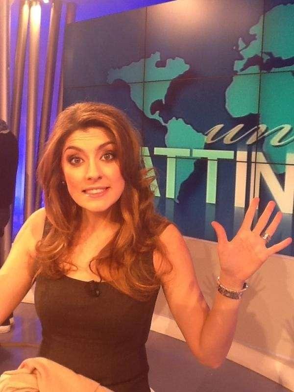 Elisa Isoardi saluta i suoi follower