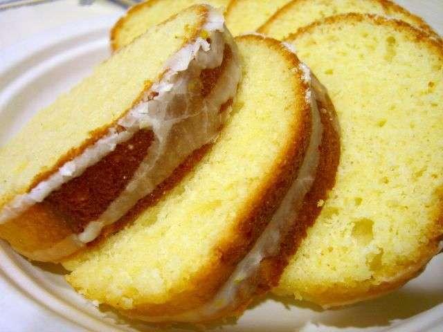 Pound cake con glassa di zucchero