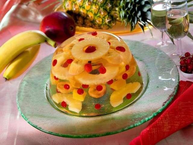 Aspic dolce con frutta mista