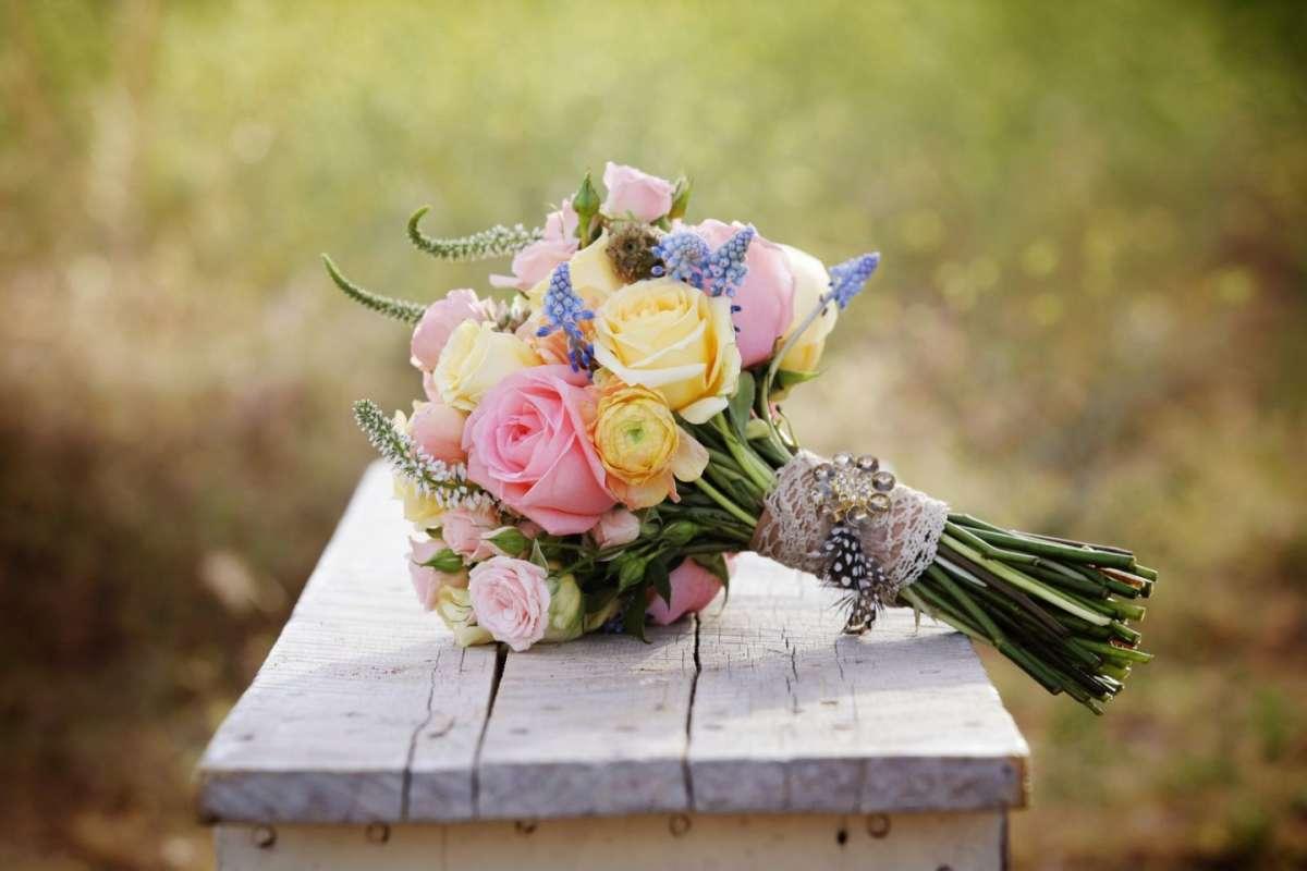 Bouquet primaverile per la sposa