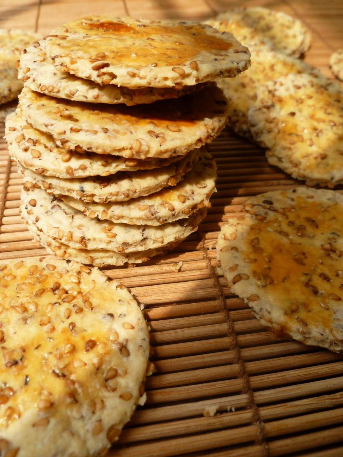 Cracker con semi di sesamo