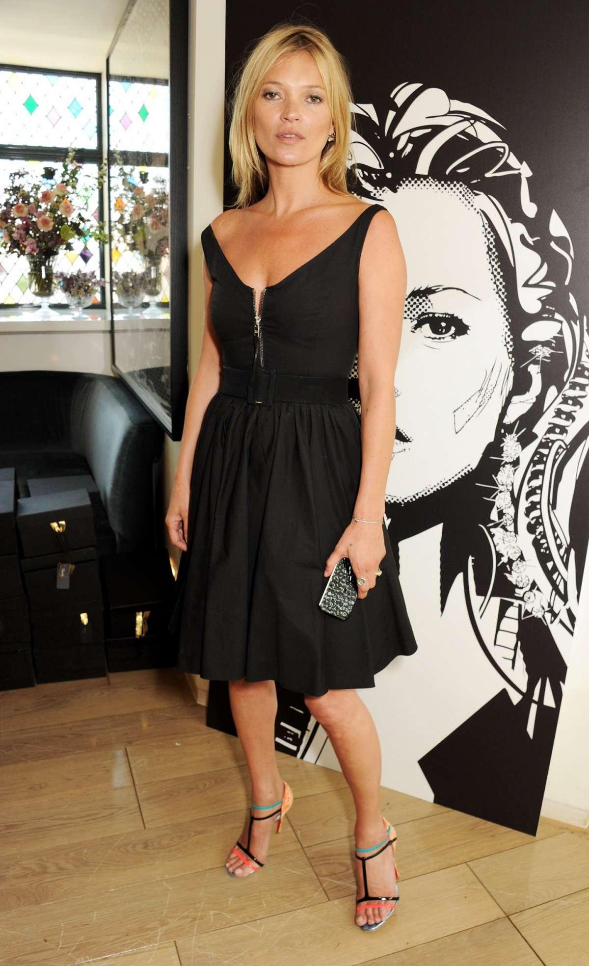 Kate Moss in abito nero